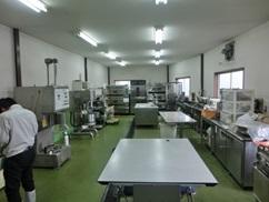 実験室 完成機械のテストなどを、お客様と行います